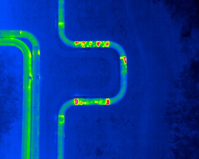 Thermal bridges detected on pipelines using thermal camera and drone