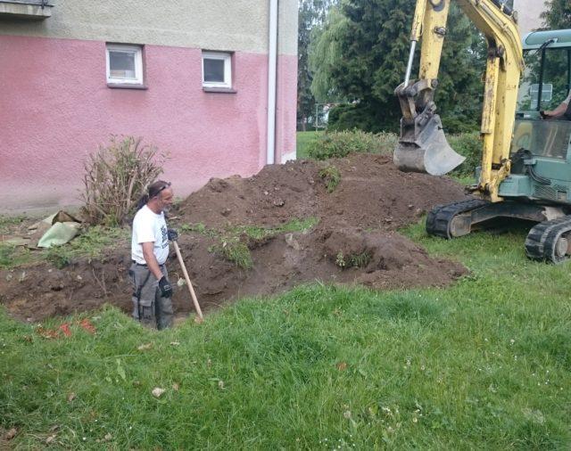 The excavation works reveal underground pipeline damage